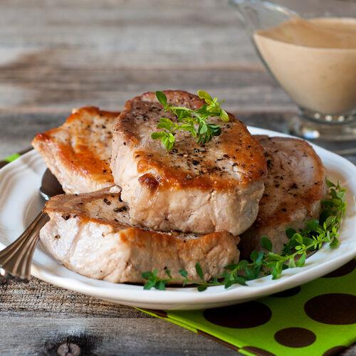 Cast Iron Skillet Pork Chops with Pan Gravy