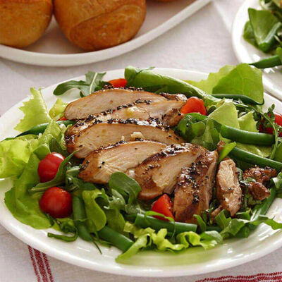 Grilled Chicken, Green Beans and Leafy Greens Salad