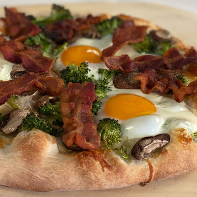 Egg Pizza with Bacon and Broccoli