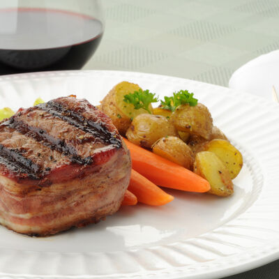 Bacon-Wrapped Filet Mignon on the Grill
